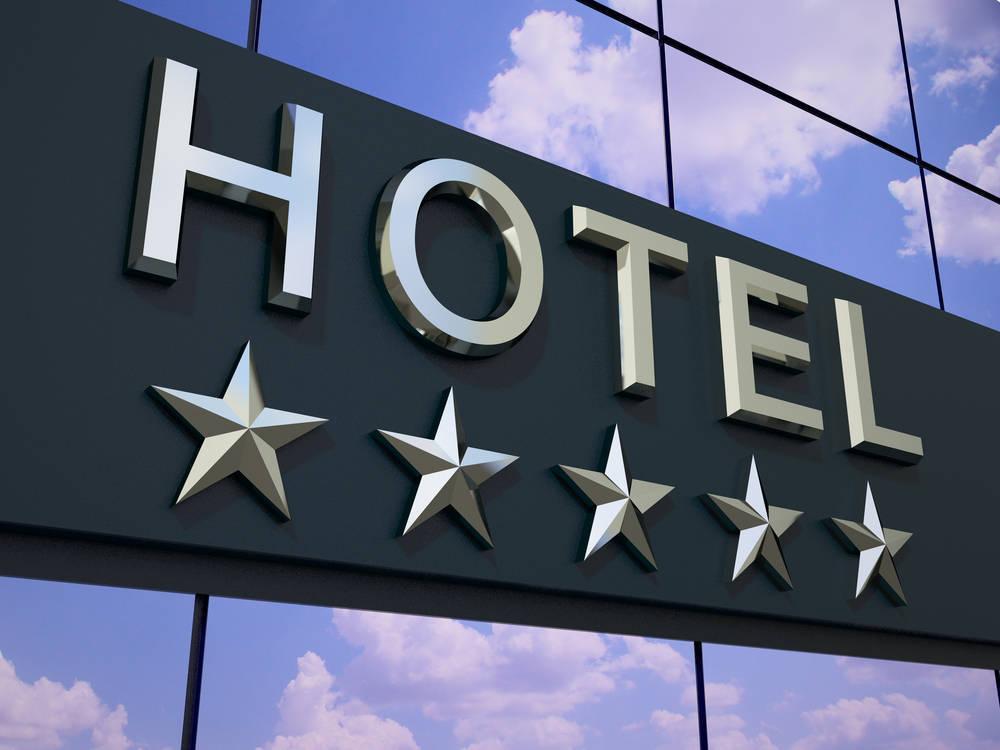 Lo que nunca debes hacer en un hotel de cinco estrellas
