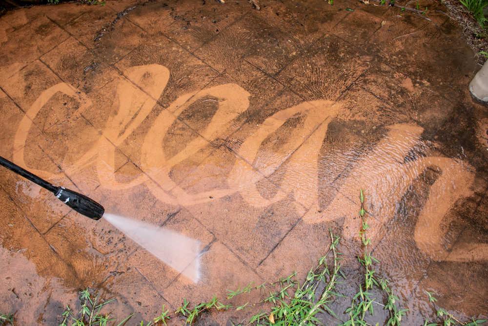 Cómo realizar el mantenimiento y la limpieza del pavimento